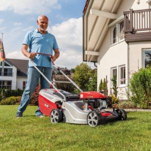 Лучшие газонокосилки – рейтинг 2020 года самых эффективных и производительных инструментов